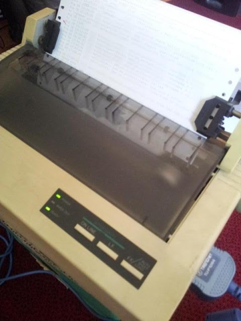 Une imprimante à ruban